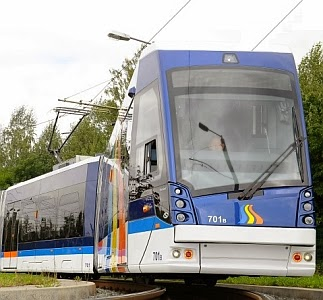 JEZT - Lichtstadt.News - Der JeNah Tramino Straßenbahnzug von Solaris