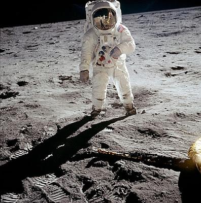 JEZT  - Buzz Aldrin auf dem Mond - NASA Foto - unbearbeitet