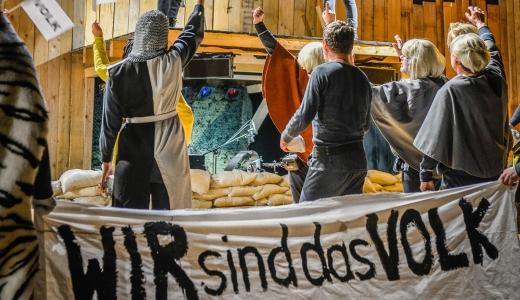 JEZT - Das Volk von KÖNIG UBU - Foto © Theaterhaus Jena 2014