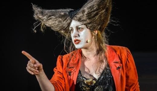 JEZT - Mutter UBU - Foto © Theaterhaus Jena 2014