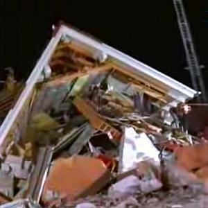 JEZT - Nach Gasexplosion in Jena zerstörtes Haus