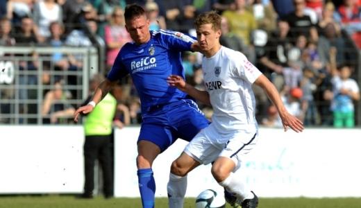 JEZT - Pierre Becken im Zweikampf - FC Carl Zeiss Jena