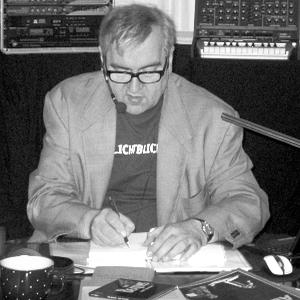 JEZT - Rainer Sauer signiert sein Buch ROCKLEGENDE 2011 in Jena