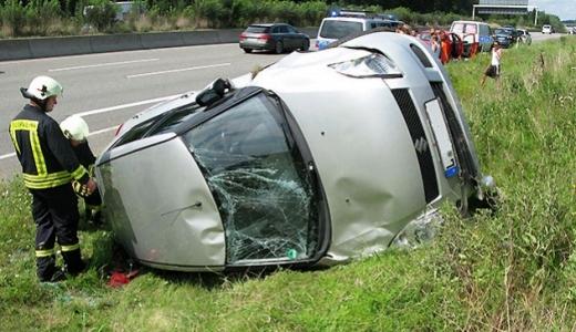 JEZT - Unfall mit Fahrerflucht auf der Autobahn A9 bei Bad Klosterlausnitz - Foto der API LPI Jena vom August 2014