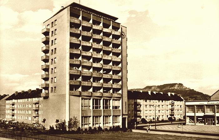 JEZT - Der Emil-Hoellein-Platz in Jena Nord - Postkarte - Abbildung © MediaPool Jena