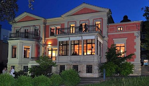JEZT - Die Schott Villa bei Nacht  - Foto © SCHOTT Jena