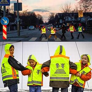 JEZT - Sicherheitswesten für Erstklaessler von ADAC Deutsche Post Ein Herz für Kinder und VD - Foto © ADAC