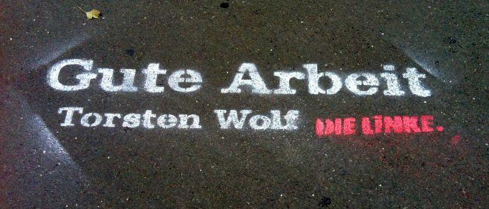 JEZT - Straßenkunst - Torsten Wolf - Die Linke - Gute Arbeit - Foto © MediaPool Jena