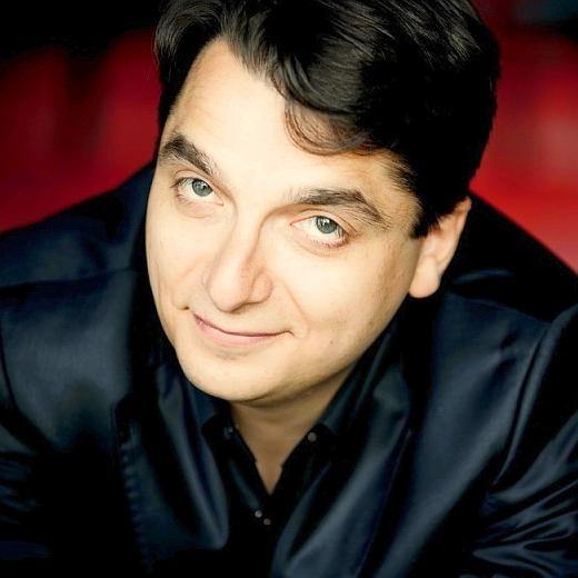 JEZT - Der ukrainische Pianist Igor Tchetue - Foto © Agentur