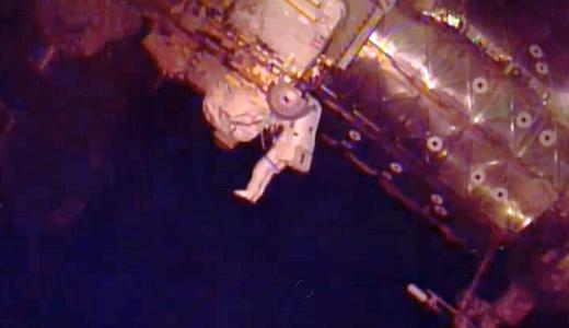 JEZT - Wiseman und Gerst bei ihrem ISS Ausseneinsatz 2014-10-07 - Image 1 © NASA Livestream