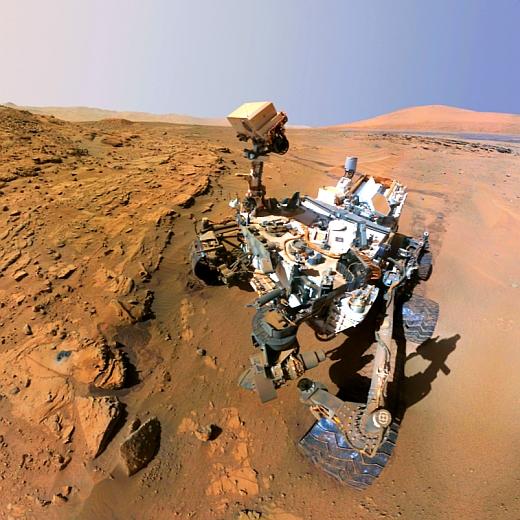 JEZT - Der Mars-Rover Curiosity in einem Selbstportrait an seinem Standort Windjana -  Foto © NASA - Bildbearbeitung von InterJena