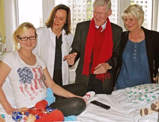 JEZT - Uebergabe der Linimed Spende an die UKJ Kinderklinik - Foto © UKJ