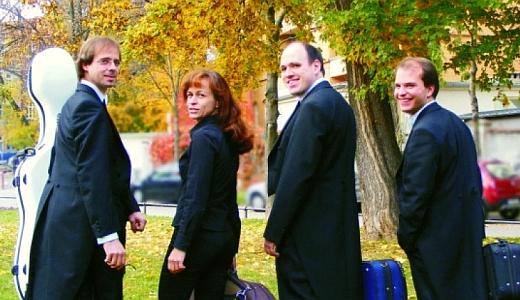 JEZT - Das Vivamente Quartett - Foto © Philharmonie Jena