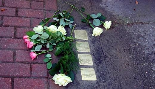 JEZT - Weitere Stoplersteine im Gedenken an ehemalige juedische Mitbuerger in Jena gesetzt - Foto © Stadt Jena JenaKultur