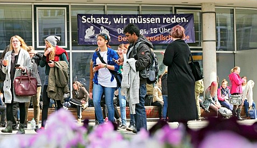 JEZT - Fast 2100 internationale Studierende haben sich im Sommersemester 2015 an der Universitaet Jena – hier der Campus – eingeschrieben - Symbolfoto © FSU Jena Kasper