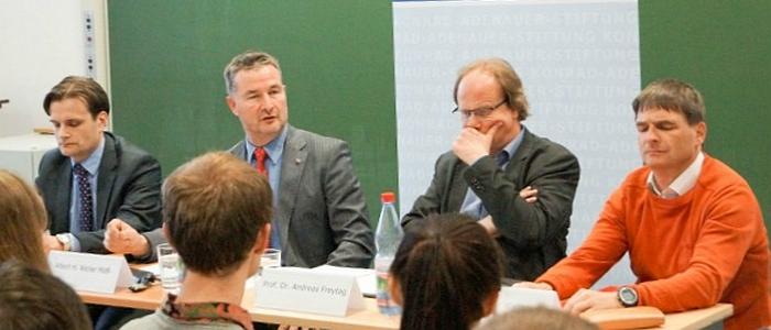 JEZT - TTIP Diskussion in der FSU Jena - Foto © Buero Albert Weiler