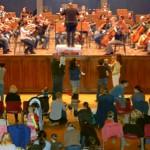 Babykonzert im Volkshaus Jena mit Dirigent Marc Tadue - Foto © Philharmonie JenaKultur