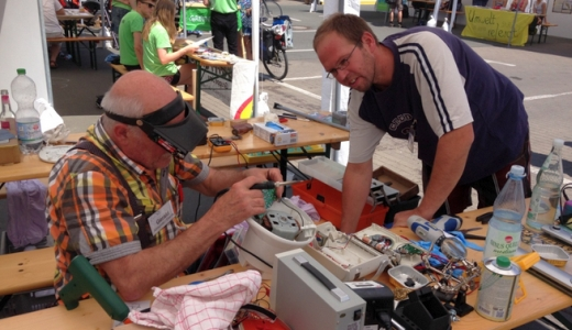 JEZT - Das Reparier-Cafe Jena beim Umwelttag 2015 - Foto © KSJ Mueller
