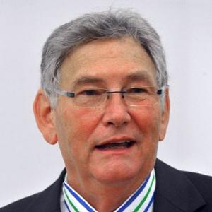 JEZT -  Prof Dr Wolfgang Dahmen erhaelt die Ehrendoktorwuerde der Universitsaet Cluj- Foto © FSU Kasper
