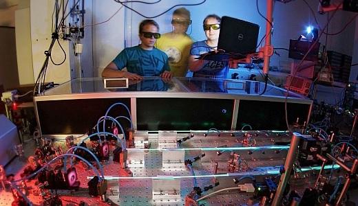 JEZT - Forschungsorientierte Lehre spielt in der Physik der Universitaet Jena eine große Rolle - Symbolbild © FSU Kasper