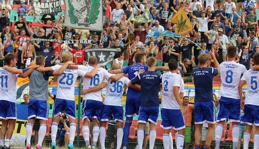 JEZT - Die Mannschaft der FCC dankt ihren Fans - Foto © FC Carl Zeiss Jena