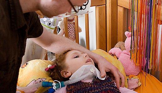 JEZT - Ein kleiner Patient im Kinder- und Jugendhospiz in Tambach-Dietharz - Foto © Kinder- und Jugendhospiz Mitteldeutschland