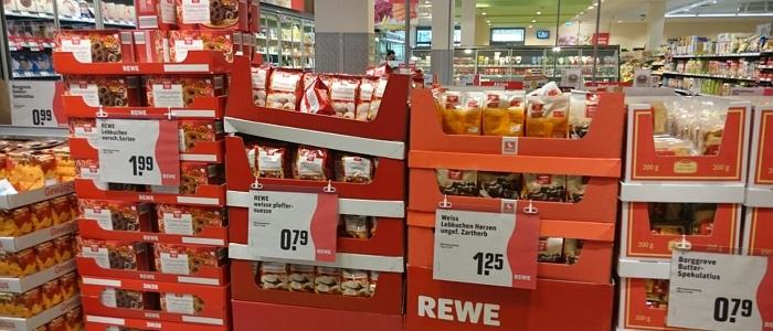 JEZT - REWE gewinnt beim fruehesten Verkauf von Weihnachtslebensmitteln 2015-08-27 - Foto © MediaPool Jena