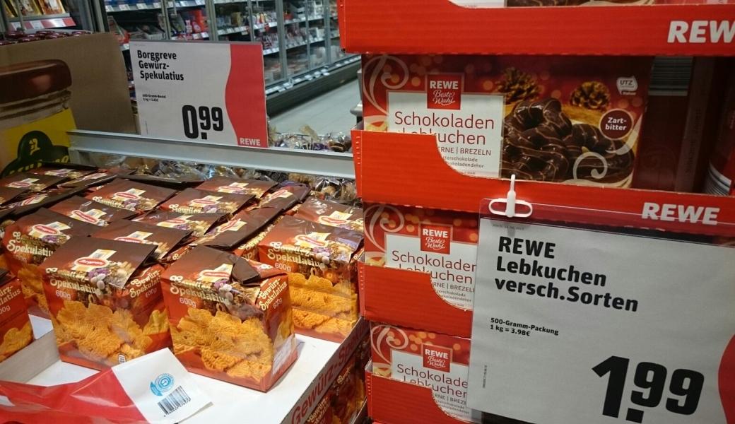 JEZT - REWE verkauft Weihnachtslebensmittel bereits ab der 35 KW - Foto © MediaPool Jena