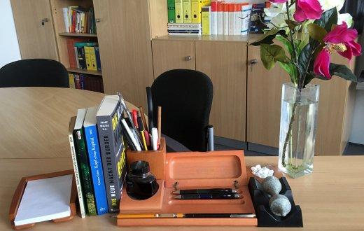 JEZT - Schreibtisch von Rainer Sauer im September 2015 - Foto © MediaPool Jena