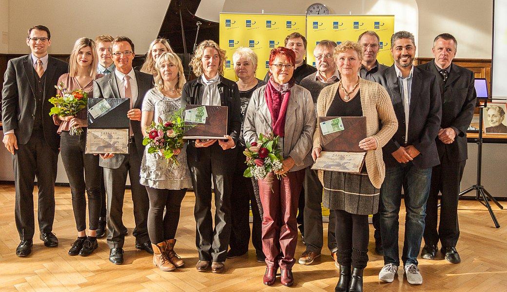 Die Preistraeger der Grete-Unrein-Preises 2015 und des Schuelerpreises dermJuLis 2015 - Foto © FDP JuLis