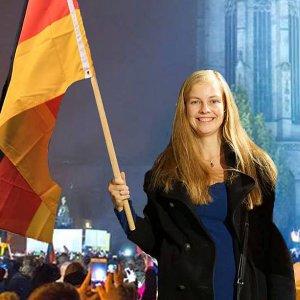 JEZT - Ausschnitt aus Wiebke Muhsals Fotomontage mit dem Erfurter Dom und Demonstranten - Abbildung © Alternative fuer Deutschland