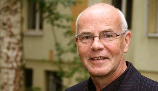 JEZT - Prof Dr Wolfgang Frindte vom Lehrstuhl fuer Kommunikationspsychologie - Foto © FSU Guenther