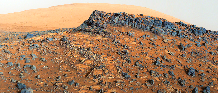 JEZT - This view shows ' site with a network of prominent mineral veins below a cap rock ridge on lower Mount Sharp - Foto © NASA Team Curiosity