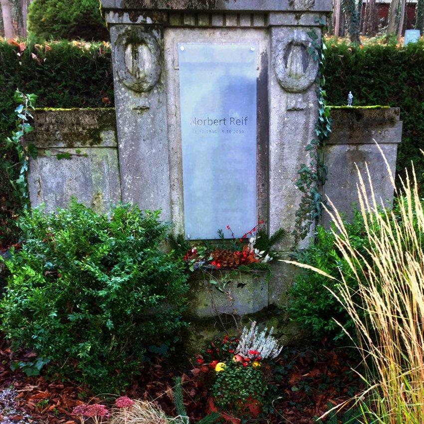 JEZT - Das Grab von Norbert Reif 2015-12-01 - Foto © MediaPool Jena