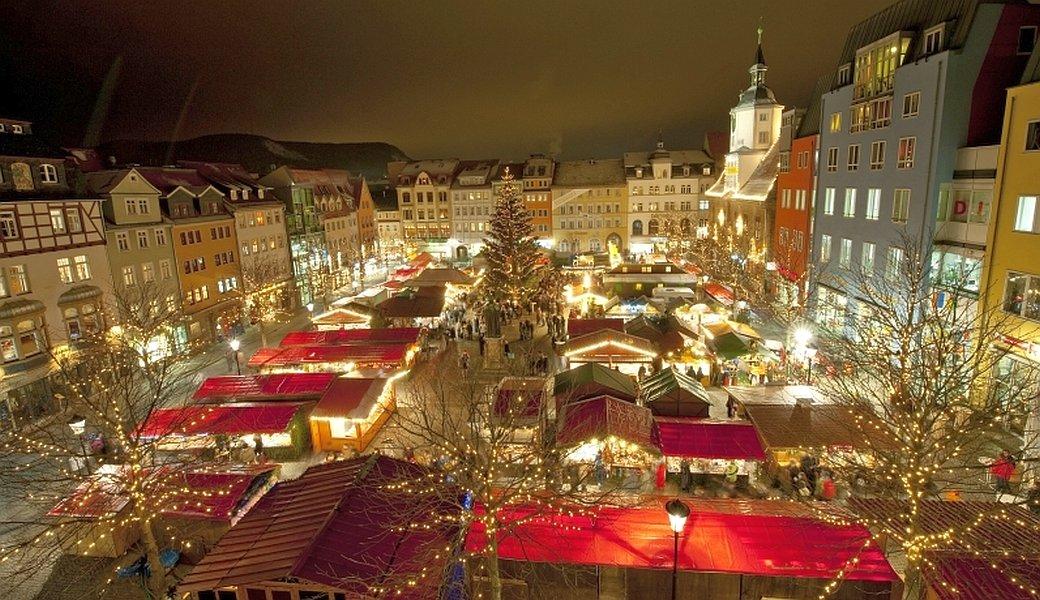 JEZT - Der Jenaer Weihnachtsmerkt am Abend - Foto © JenaKultur Hub 1040x600