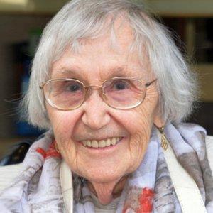 JEZT - Die ehemalige Jenaplan-Schülerin Margot Pampel lebt heute in Australien - Foto © Stadt Jena Glasser
