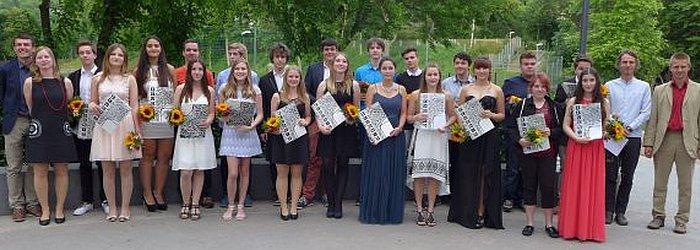 JEZT - LEONARDO Absolventen mit Ihren Stammgruppenleitern - Foto © Sebastian Pester