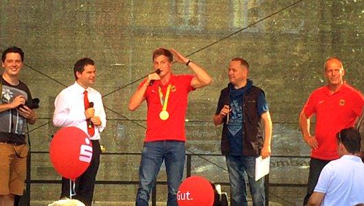 JEZT - Empfang für Speerwurf-Olympiasieger Thomas Röhler auf dem Marktplatz - Foto © MediaPool Jena