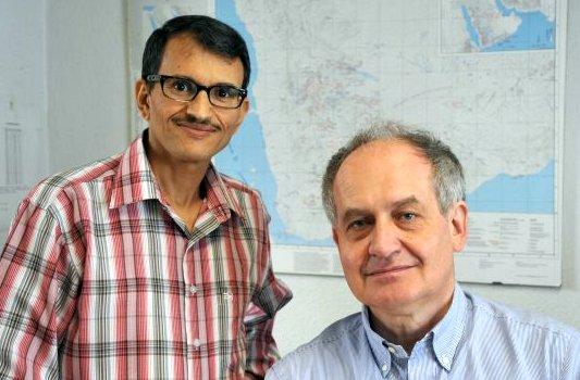 jezt-mohammed-al-salami-gastwissenschaftler-aus-dem-jemen-prof-dr-norbert-nebes-von-der-universitaet-jena-foto-fsu-guenther
