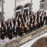 Die Jenaer Philharmonie auf dem Balkon des Volkshauses. - Foto © Philharmonie Jena Tobias Tanzyna