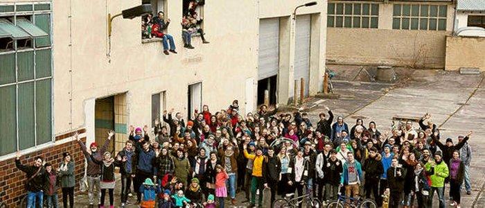 Die Unterstützer der Idee eines Soziokulturellen Zentrums auf dem alten Schlachthofgelände - Foto © Andre Helbig