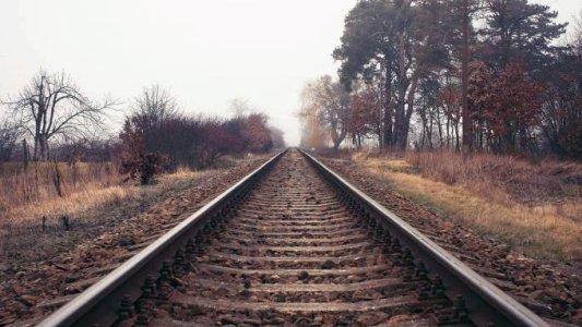 Bahngleise führen ins Leere - Bildrechte FDP Friedrich-Naumann-Stiftung