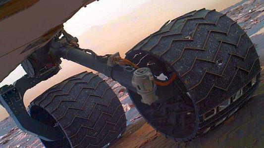 Foto vom Routinecheck der Räder des MArs Rovers im März 2017. - Foto © NASA Team Curiosity JPL-Caltech MSSS