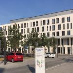 Der Haupteingang des Uniklinikums Jena. – Foto © MediaPool Jena