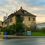 """""""Eine Insel geht auf Reisen"""": Gebäude am Inselplatz 9a wird aufgegeben – Insulaner zieht es zum Jahresende ins Mühltal"""